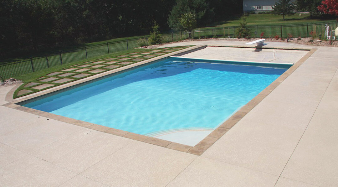 15 Tips for Keeping Bugs Away From Your Pool
